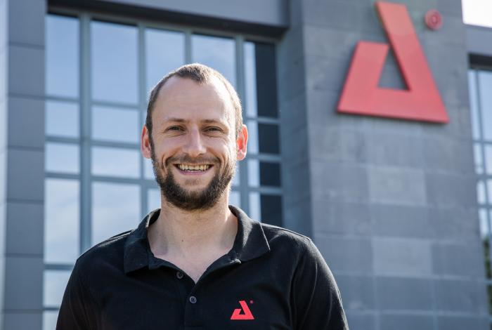 AED Distribution - Benoit Ponjee - Logistic Coordinator | Customer Service