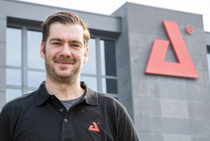 AED Distribution - Nils De Laeter - Product Manager Luxibel